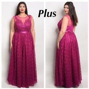 ❌SALE❌ PLUS ❤️MAGENTA CROCHET TULLE GOWN